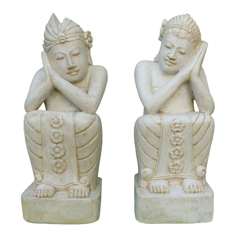 Steinfiguren Paar Garten weiss